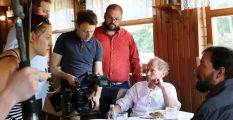 Úspěšné tvůrčí duo prozrazuje pozadí vzniku seriálu a stvrzuje realitu fondu kinematografie