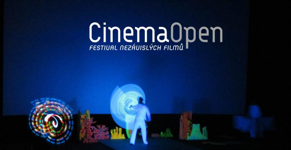 Cinema Open ve znamení rock and rollu, Nenasytné Tiffany apremiéry mladého režiséra